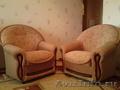 Продам диван и два кресла)